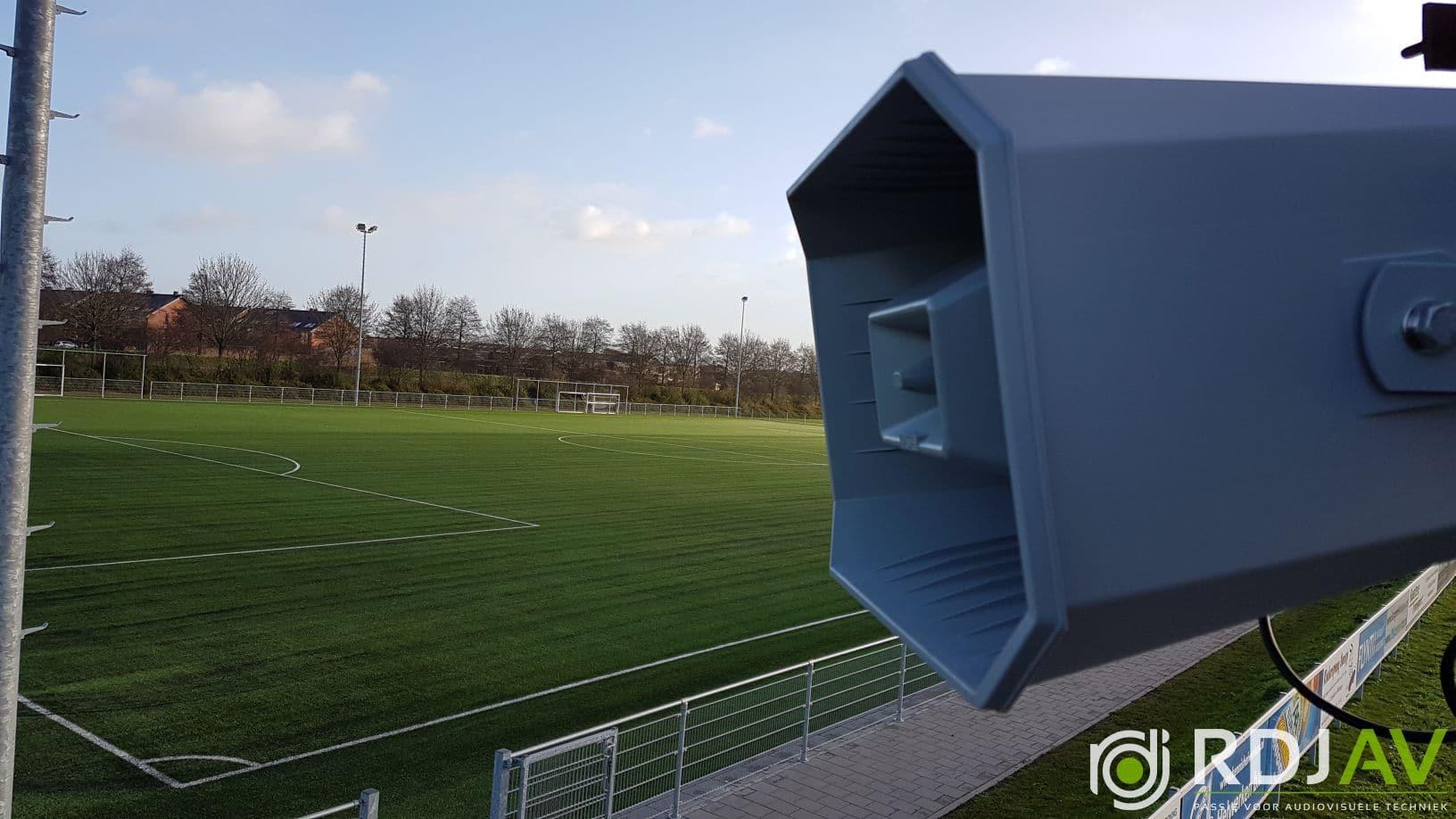 Speaker voetbalveld