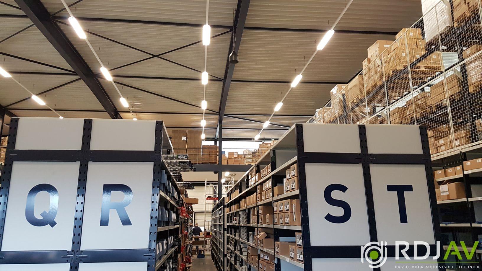 plafondspeakers bedrijfshal